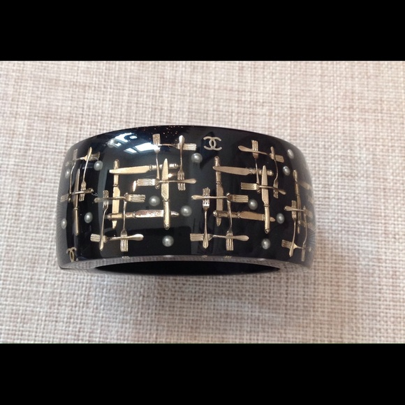 CHANEL Jewelry - CHANEL cuff/bangle bracelet